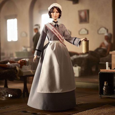 Barbie inspirada en Florence Nightingale | Barbie MATTEL