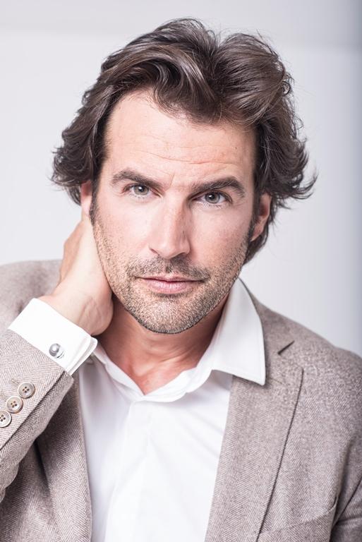 El actor Álex Adrover