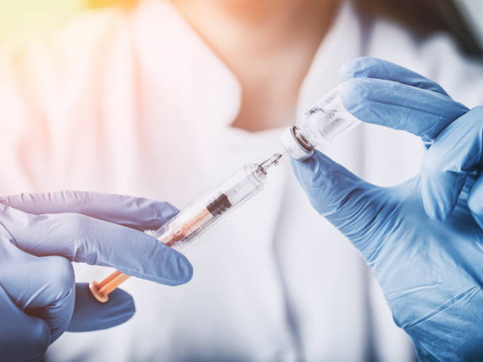 Vacunación   Foto: European Medicines Agency (EMA)