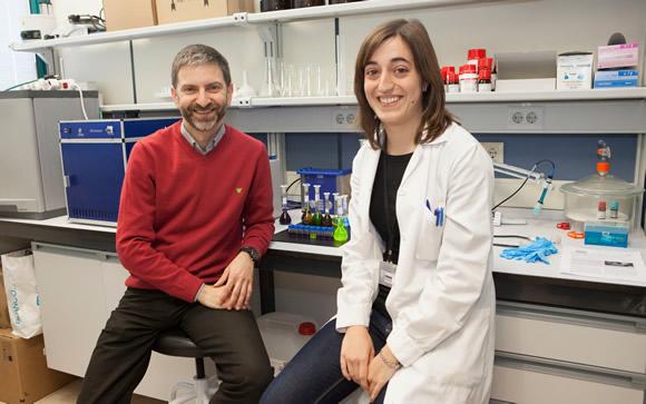 El profesor Francisco Galindo y la investigadora Alicia Beltrán, de la UIJ / UIJ