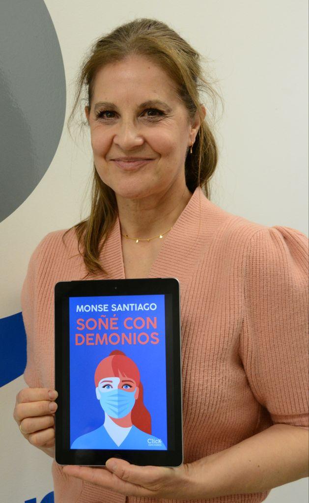 Monse Santiago, enfermera y autora del libro Soñé con demonios