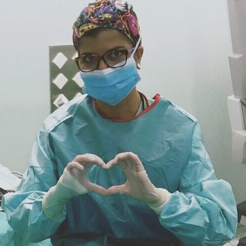 Julia Calatayud en su trabajo como profesional enfermera
